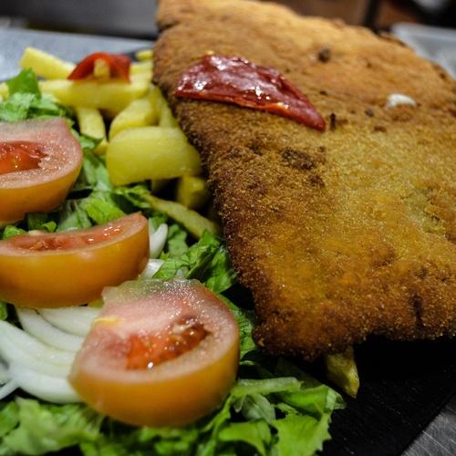 Restaurante con especialidad en cachopo
