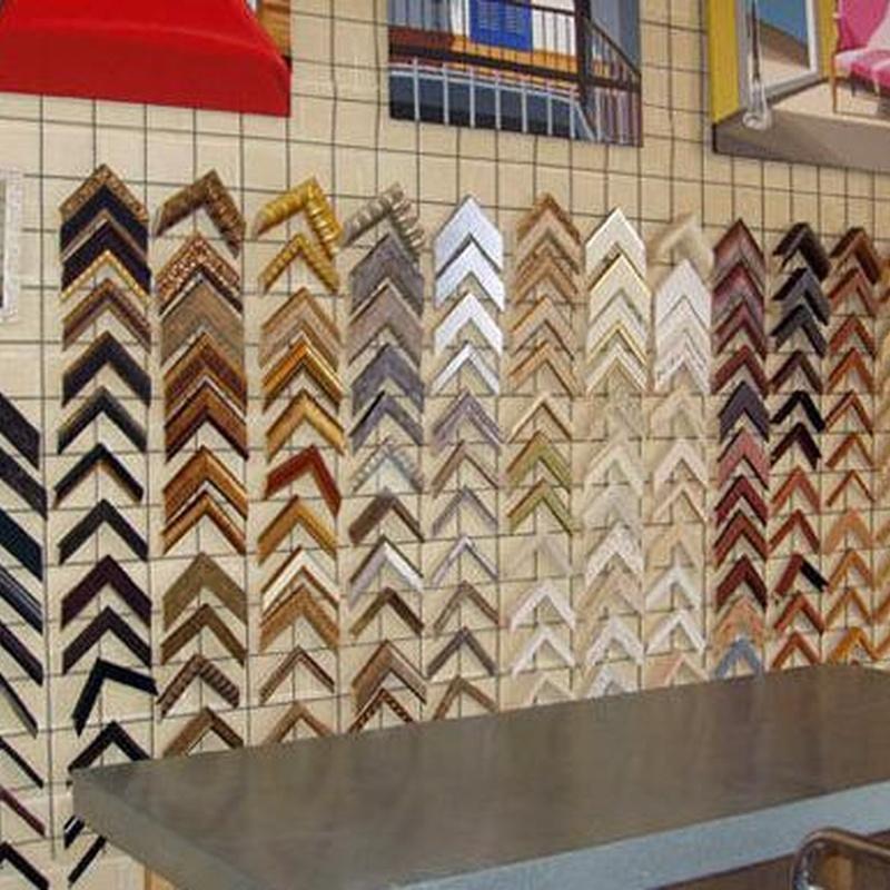 Catálogo de molduras: Productos y servicios   de Magenta Taller de Marcos y Molduras