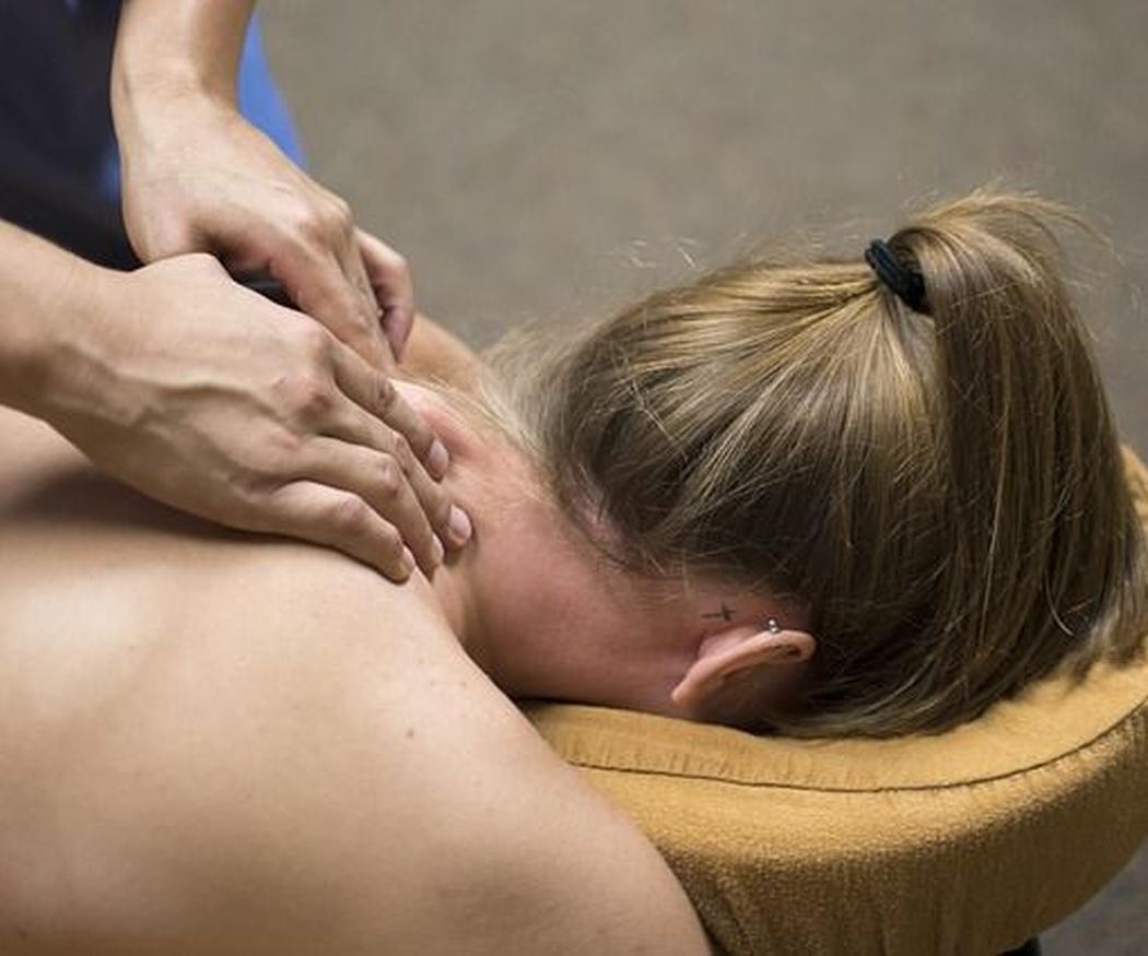 ¿Cómo relajarse antes de un masaje sensual?