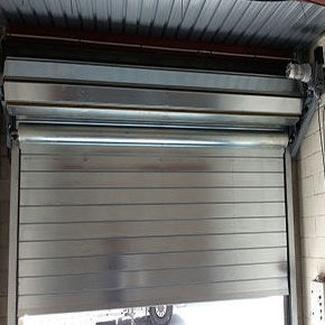 Puerta enrollable cortafuegos contra incendios