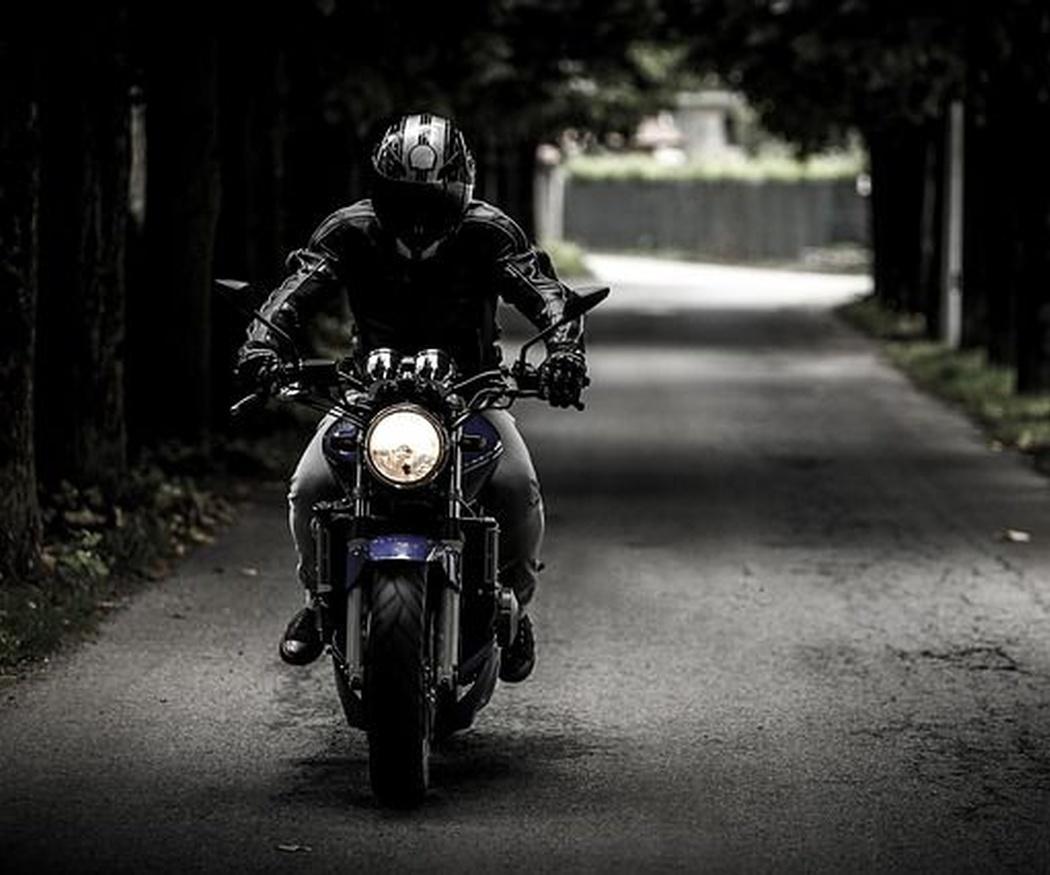 ¿Qué coberturas debe tener un seguro de moto?