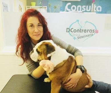 Dra. MARIA DEL CARMEN JARA CABALLERO (MENCHU).  Veterinaria en clinica veterinaria Dcontreras.