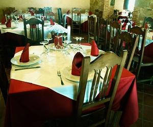 Restaurante El Corralón de Perahuy, cocina tradicional Castellana