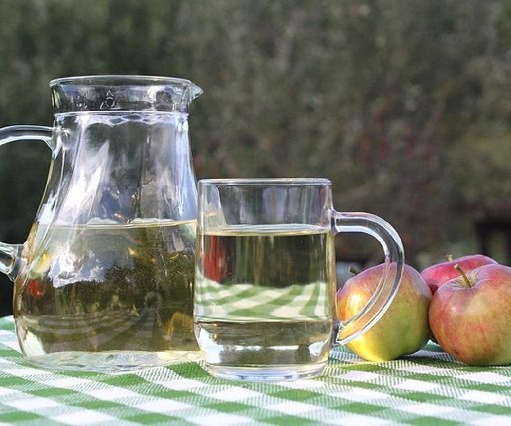 La sidra, en vaso de cristal fino