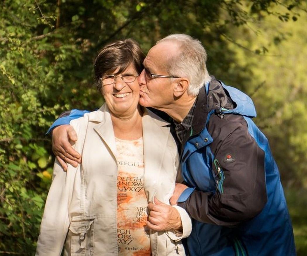 Cinco beneficios de las visitas de familiares en las residencias