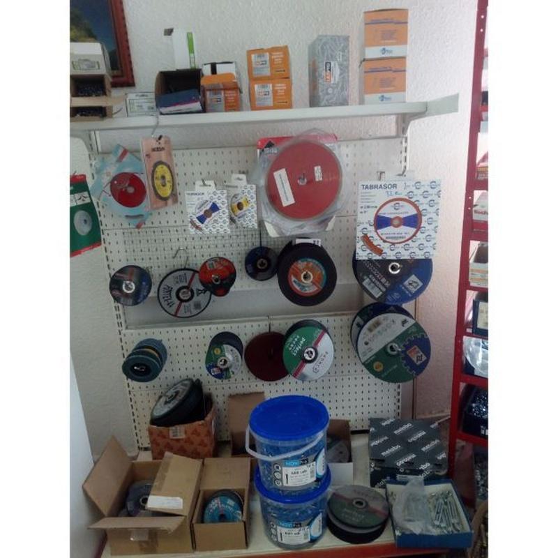 Ropa de trabajo y herramientas: Productos de Materiales del Cos