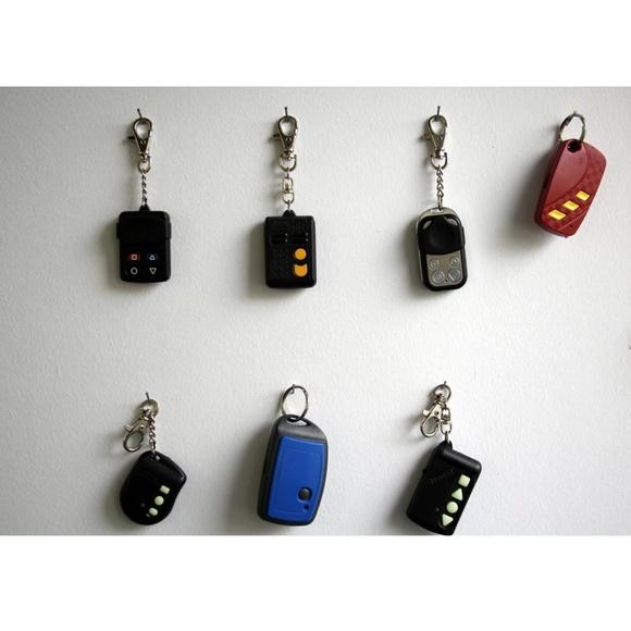 Duplicado mandos de garaje: Cerrajería de Borrella Cerrajeros 24 Horas