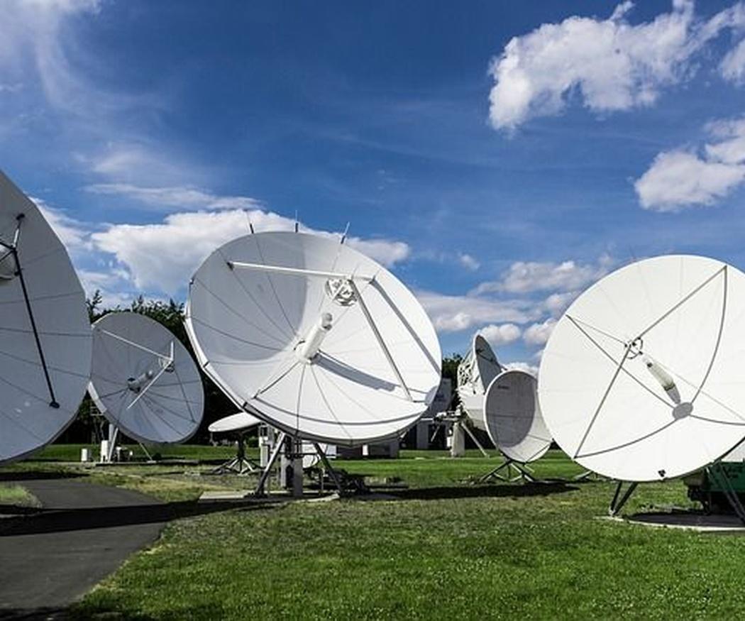 Tipos de antenas parabólicas para la recepción vía satélite