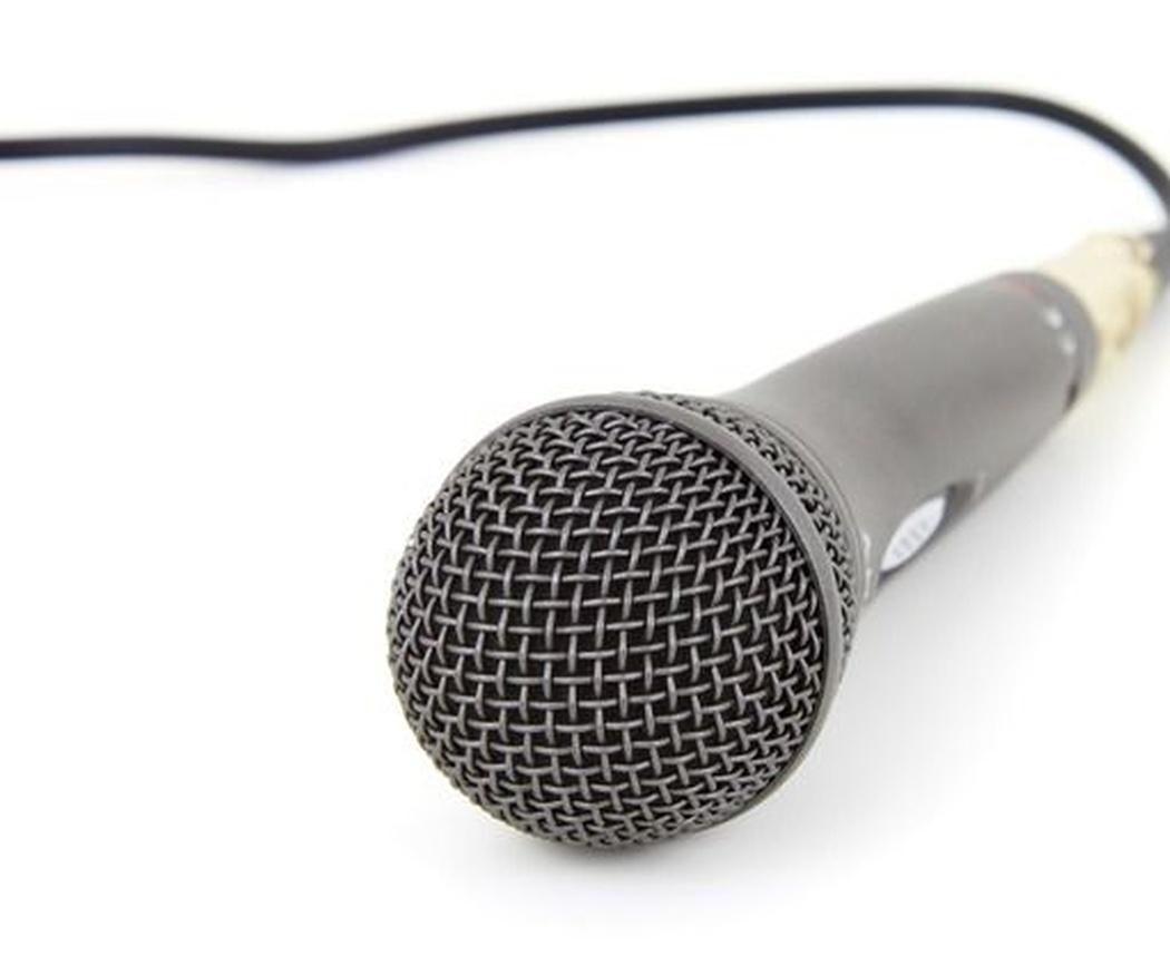 Tu voz importa. Especialistas en foniatría médica de Badajoz