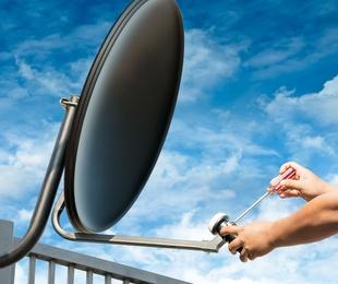 TV vía satélite
