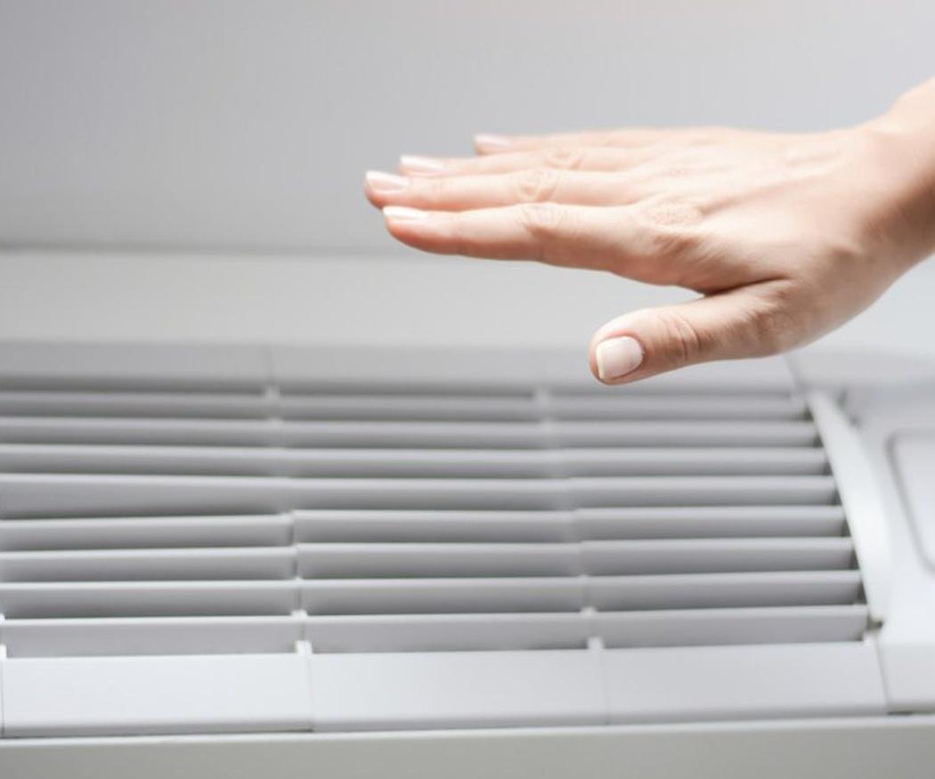 El uso del aire acondicionado con ancianos y bebés