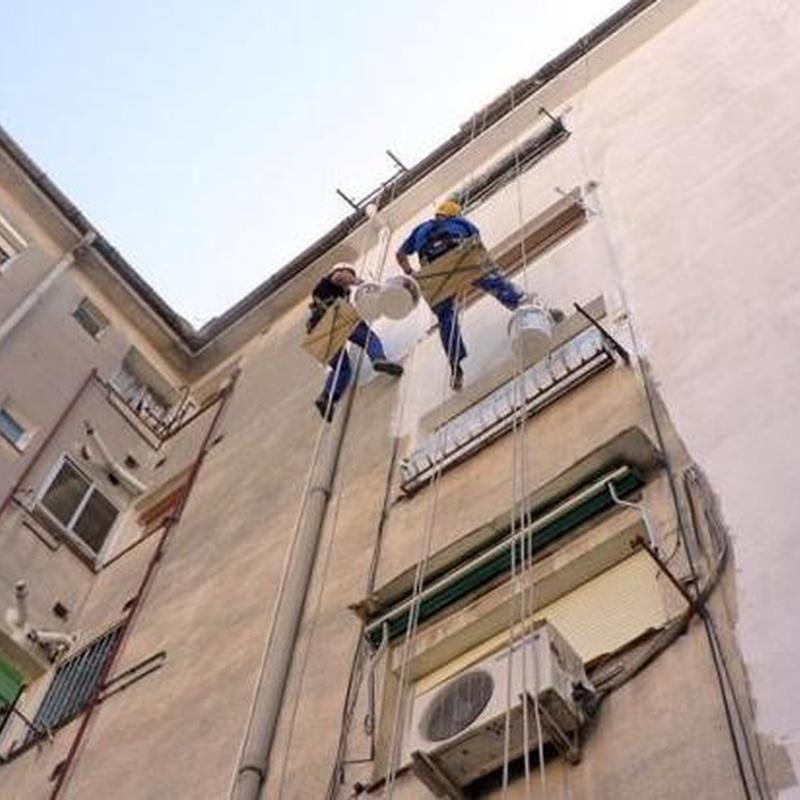 Rehabilitación de fachadas y patios: Servicios de Cosual Obras Y Servicios, S.L.