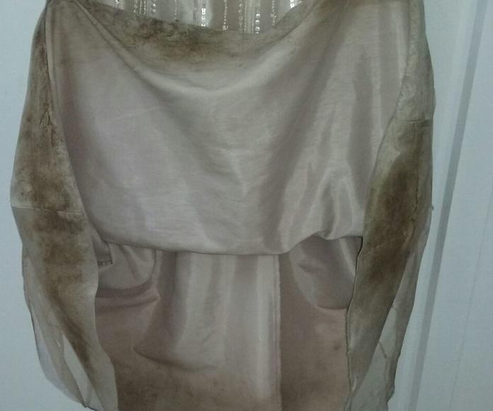 Bajos del vestido antes de la limpieza