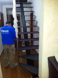Montaje de escalera para altillo en Mallorca