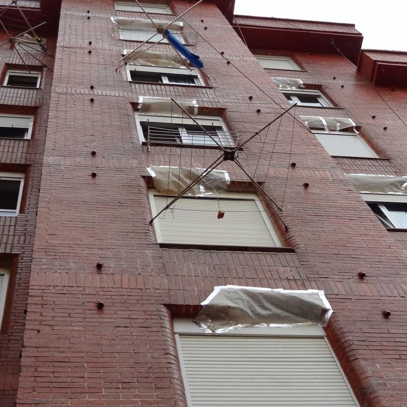 Trabajos verticales Torrelavega Santander.Reparación de fachada.