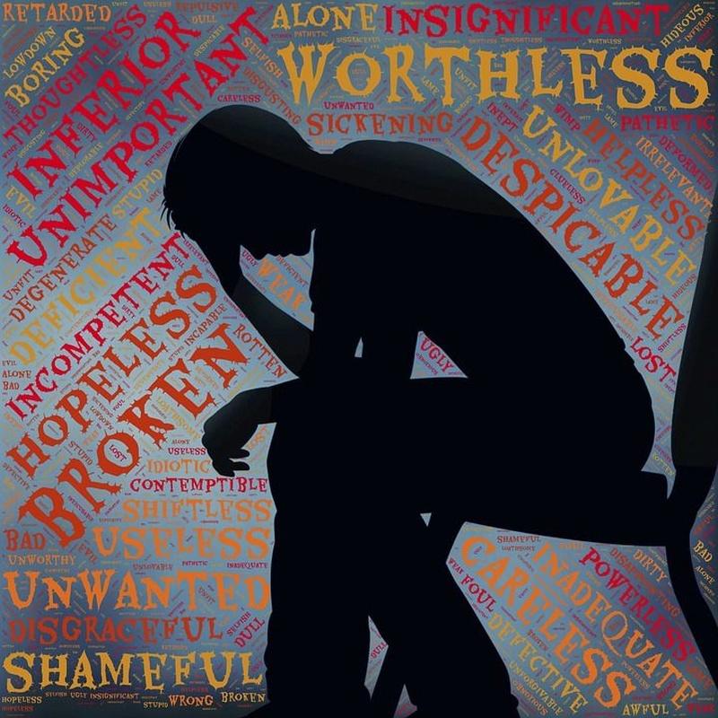 Problemas de autoestima: Especialidades de Logopedia y Psicopedagogía Avalops