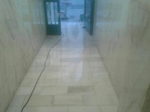 Abrillantado de suelos de mármol