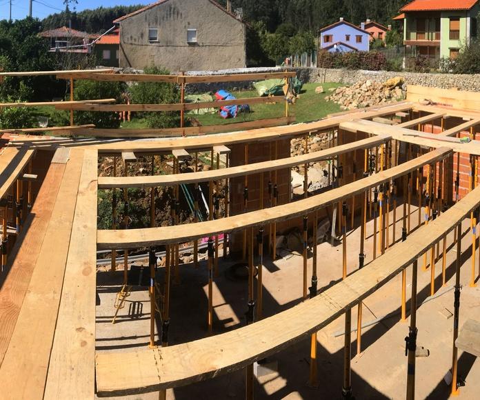 Encofrados y estructuras: Construcciones  de Construcciones Espiniella