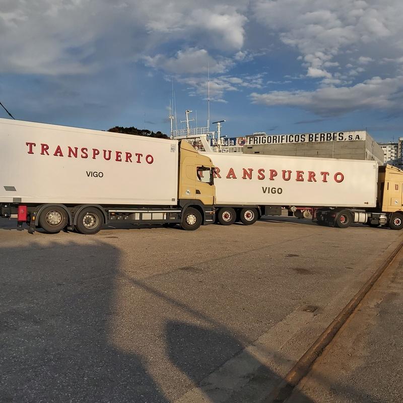 Transportes frigoríficos: Servicios de Agrupación de Transportes Puerto de Vigo - Cooperativa Transpuerto