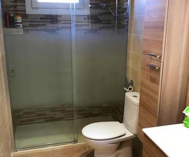 Reforma Integral de baño en tonos beige