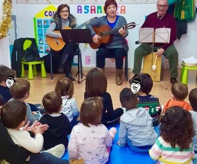 Música en directo gracias a los abuelos de nuestros niñ@s