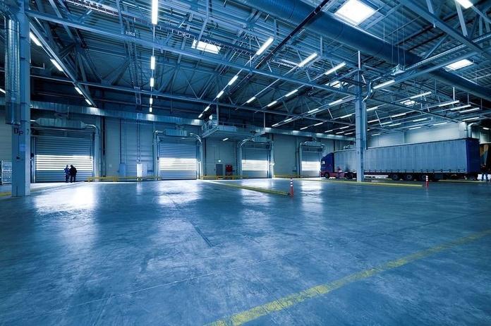 Almacén y distribución: Servicios de Levante World Cargo
