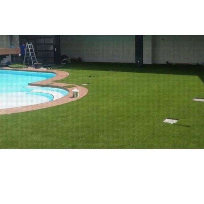 Césped artificial y césped de pádel: ¿Qué hacemos? de Project Pool Piscinas