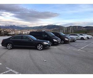 Traslado en vehículo privado de lujo en Granada
