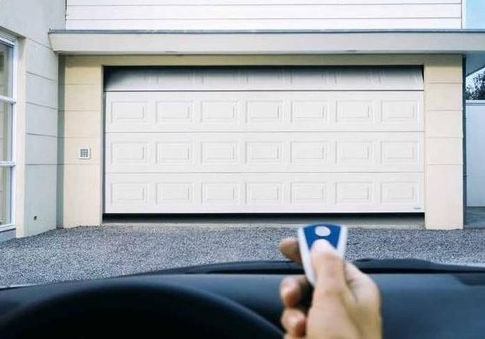 Puertas de garaje: Productos y Servicios de S.I.M.I. Seguridad