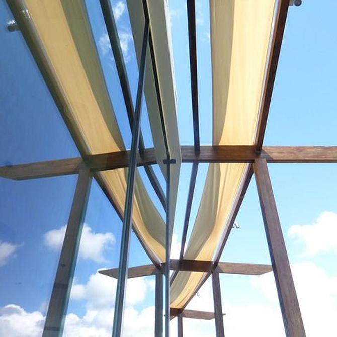 Toldos verticales para porches, patios y terrazas