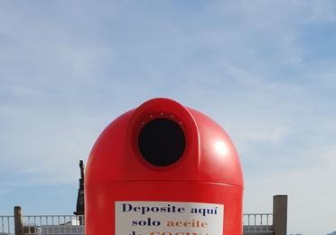 Bidón de reciclaje en la calle