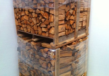 "PALLET 1M3 ""LEÑA DE ROBLE"" SECA Y SERRADA, DE LARGO VARIABLE."