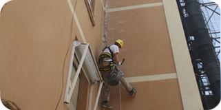 Instalación de bajantes, salidas de extracción y canalones: Trabajos de Acebo Trabajos Verticales