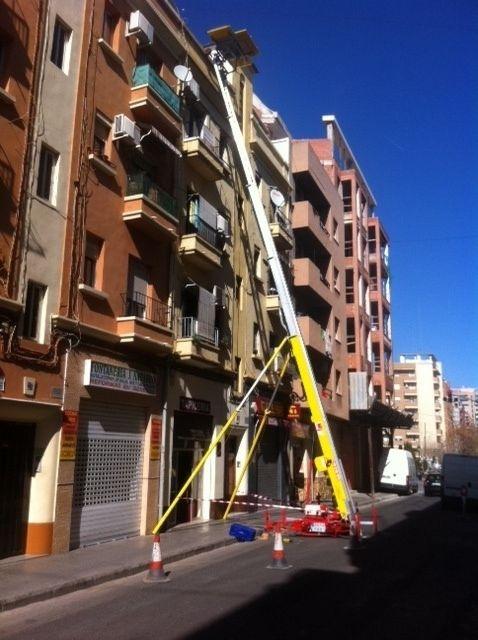 Servicio de Elevación - Alquiler Elevador Montamuebles: Mudanzas Internacionales de Mudanzas Brinco Valencia
