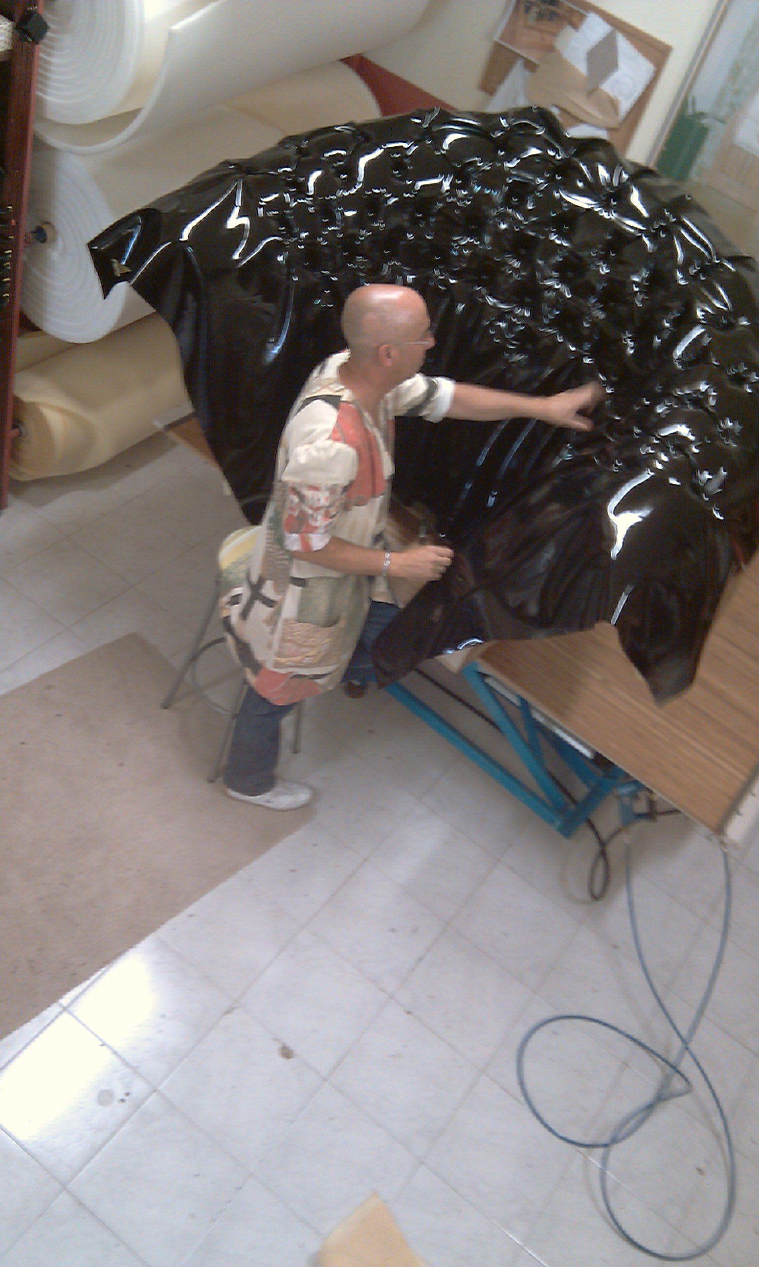 tapizando en nuestro taller: Productos y servicios de Marina y Javier - Tapicería y Cortinas Vigo