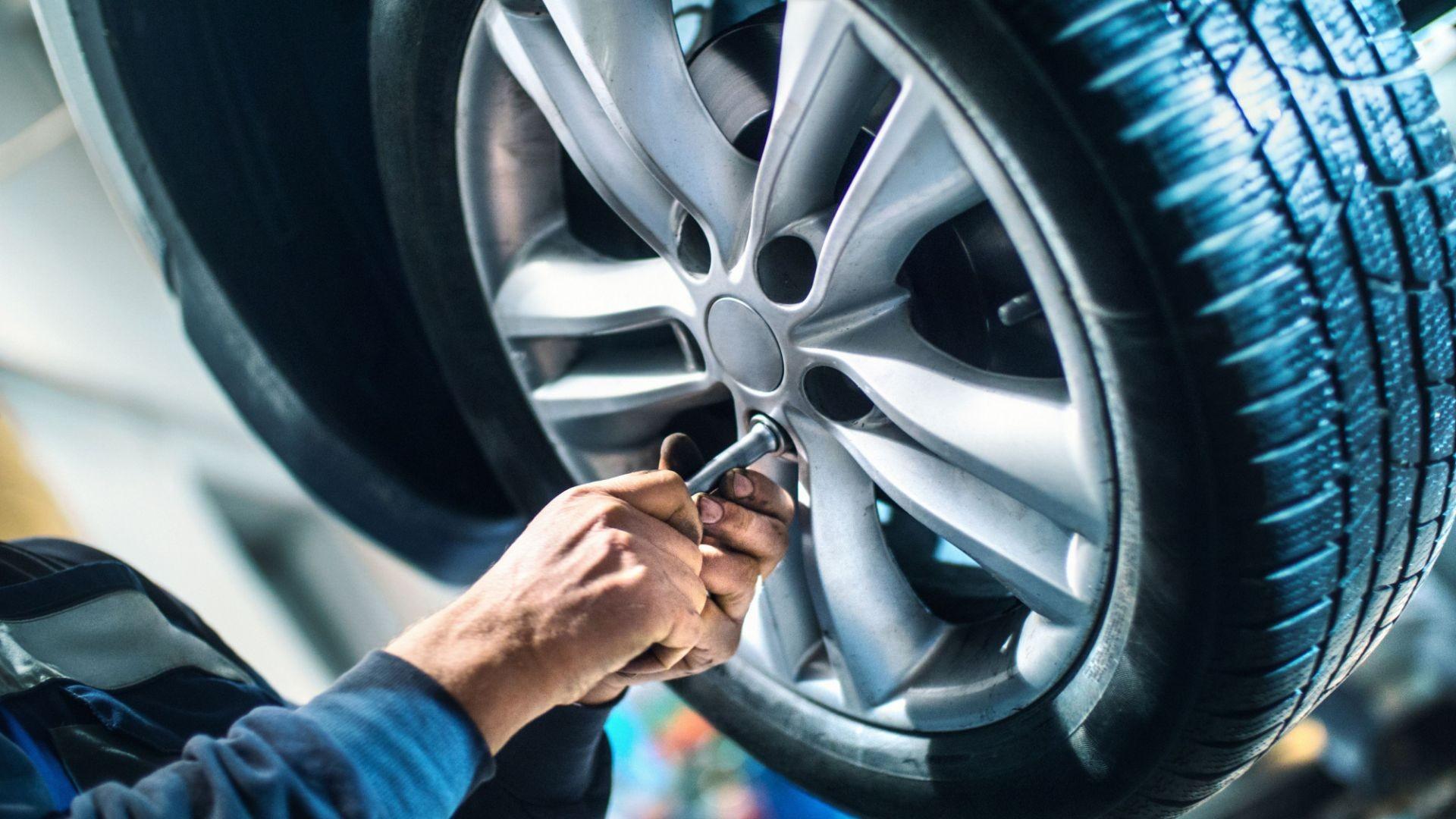 Taller con servicio de neumáticos en Menorca
