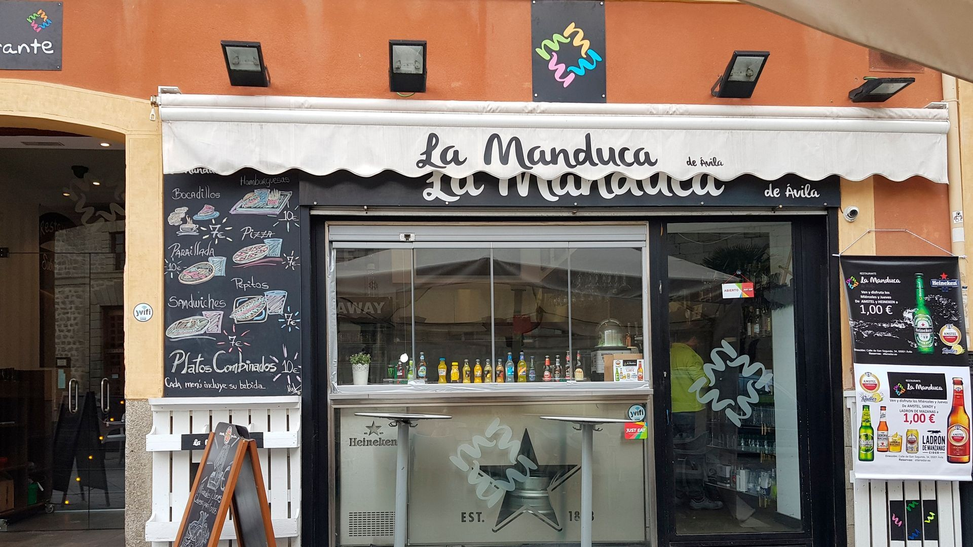 Restaurante de cocina abulense y venezolana en Ávila