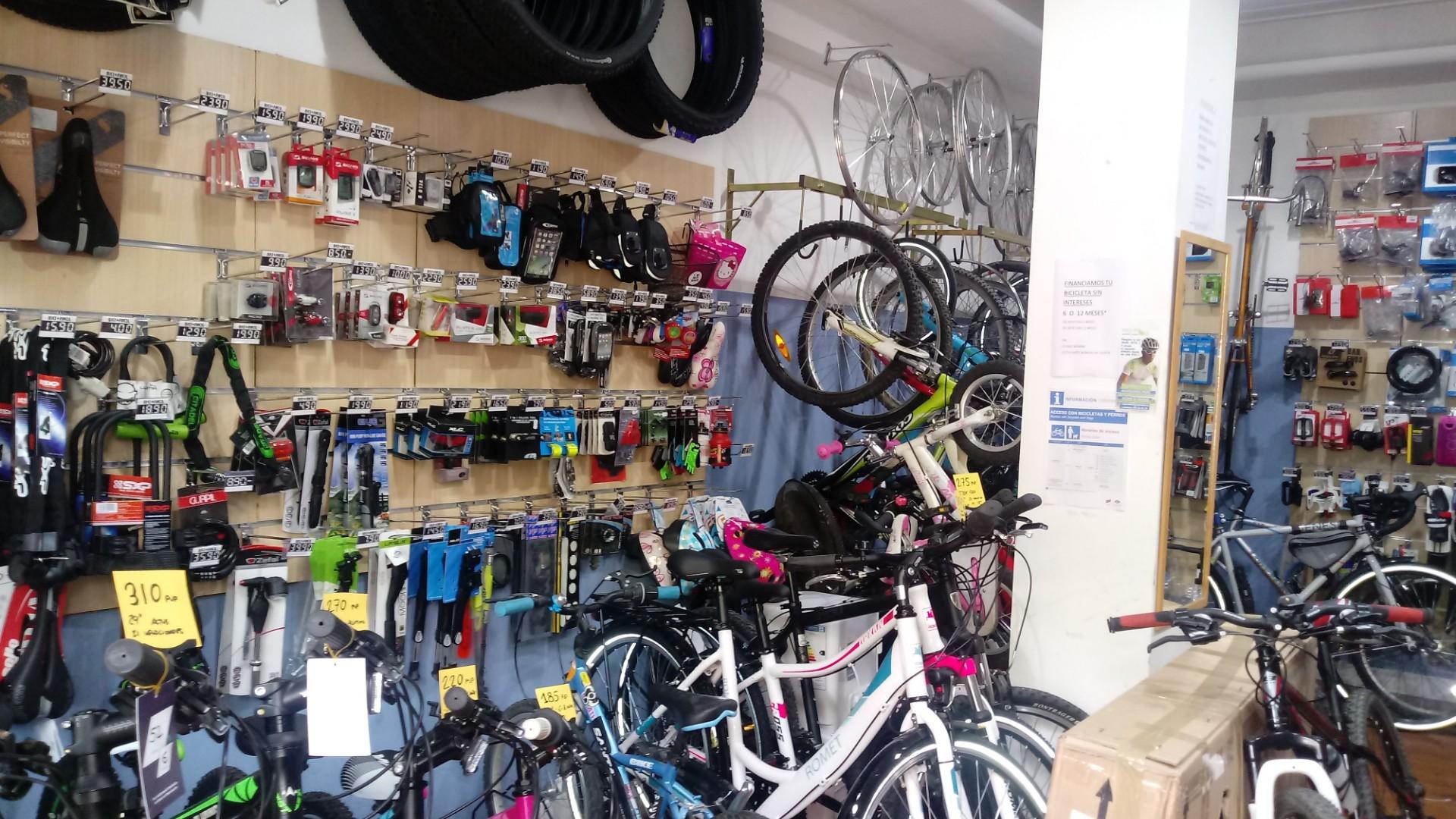 Tienda y taller de bicicletas en Legazpi, Madrid