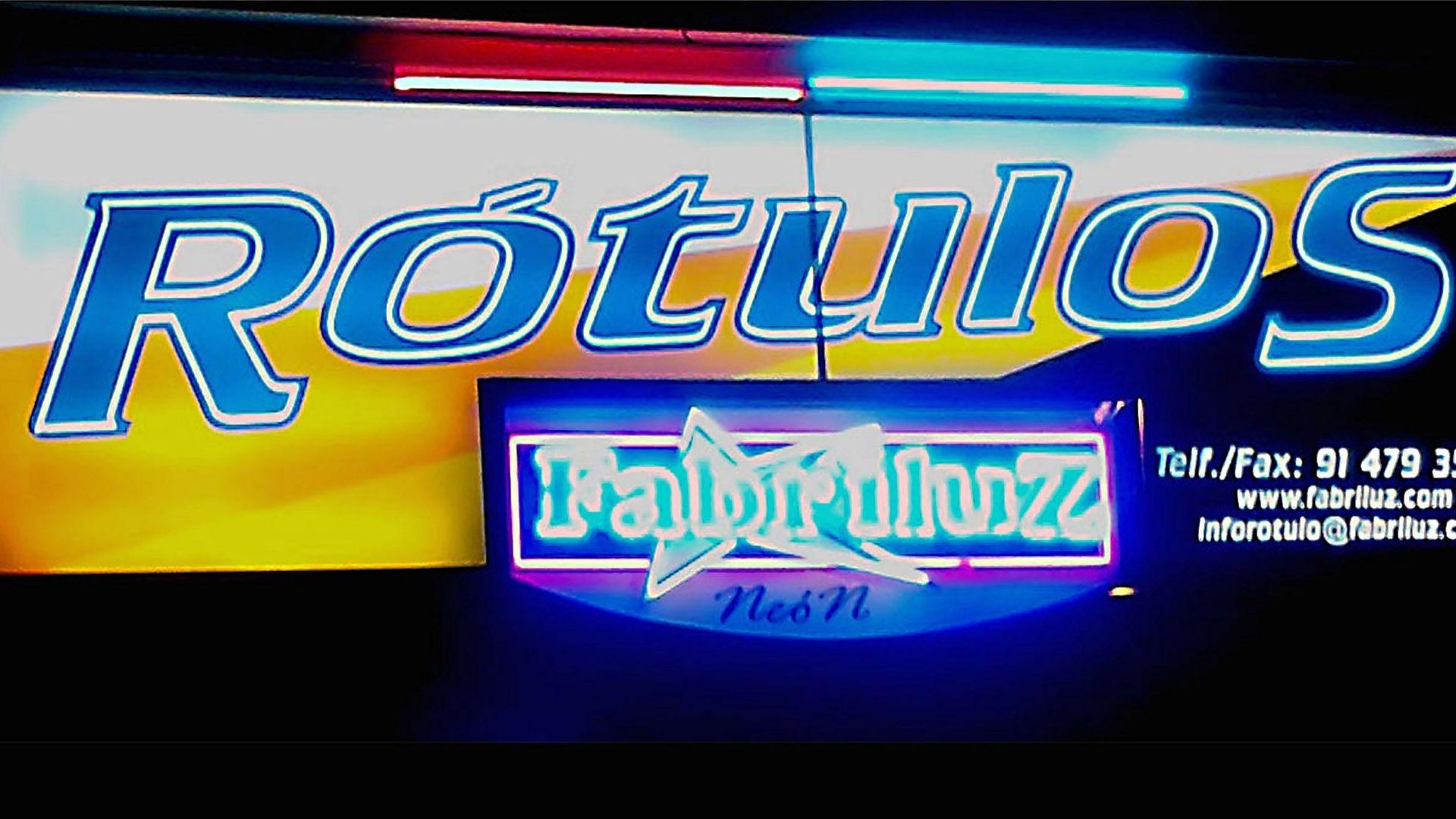 Rótulos en Madrid Fabriluz neón, especialistas en letreros luminosos, letras corpóreas neón