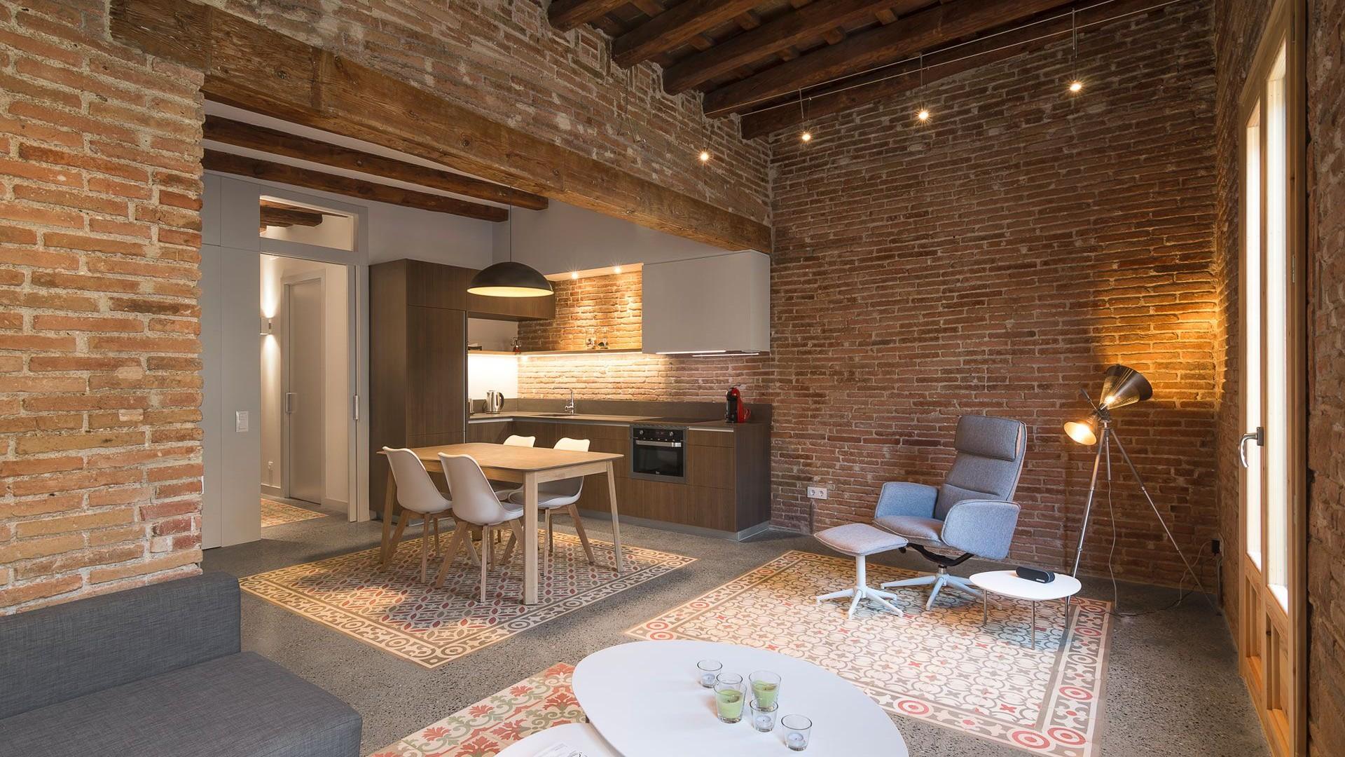 Reforma interior de vivienda en el Eixample de Barcelona. Habitatge M11