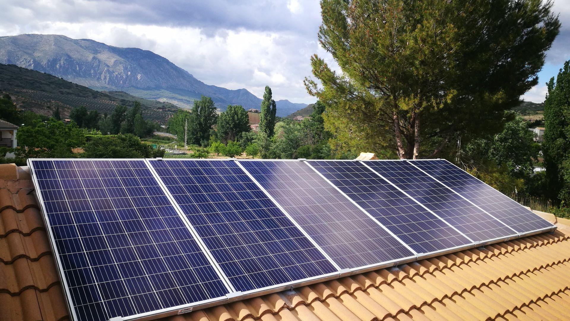 Instalación de placas solares para autoconsumo en Jaén