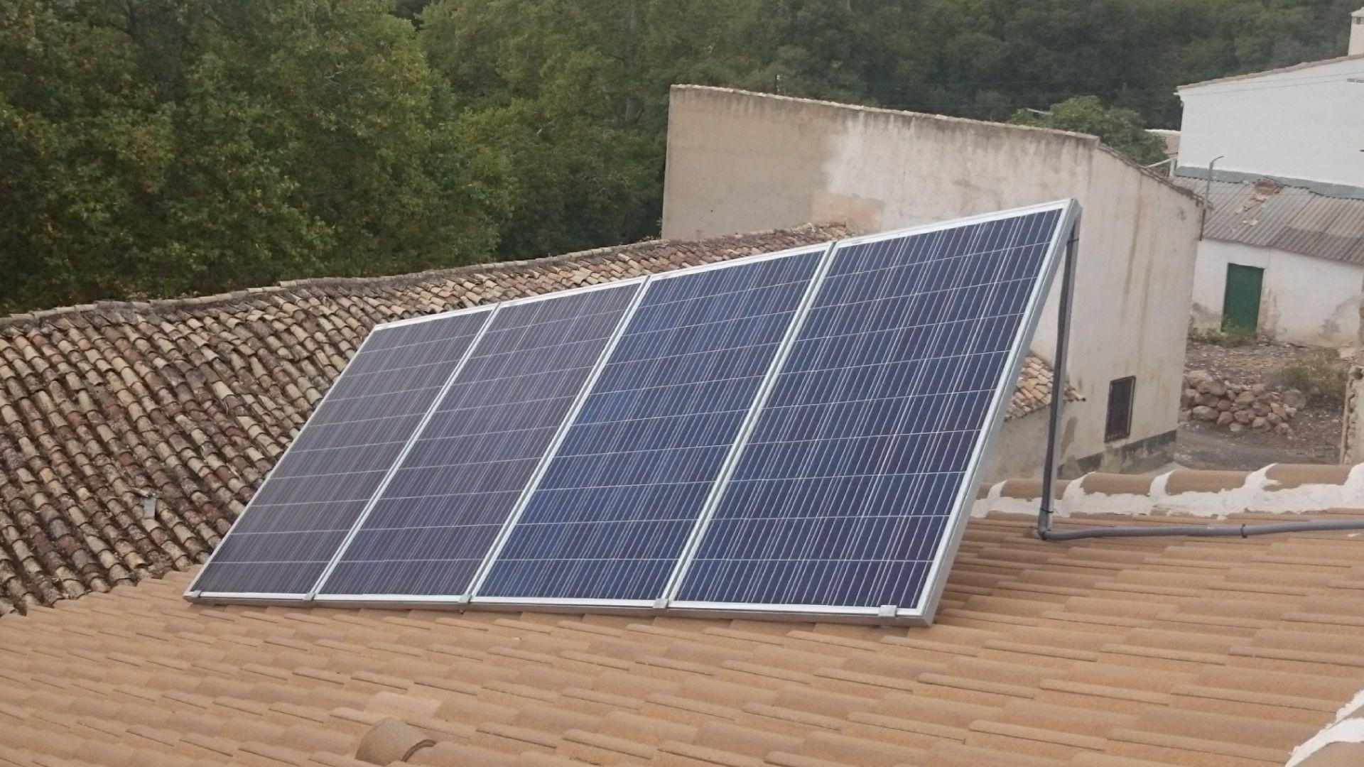 Instalación de placas solares en Jaén