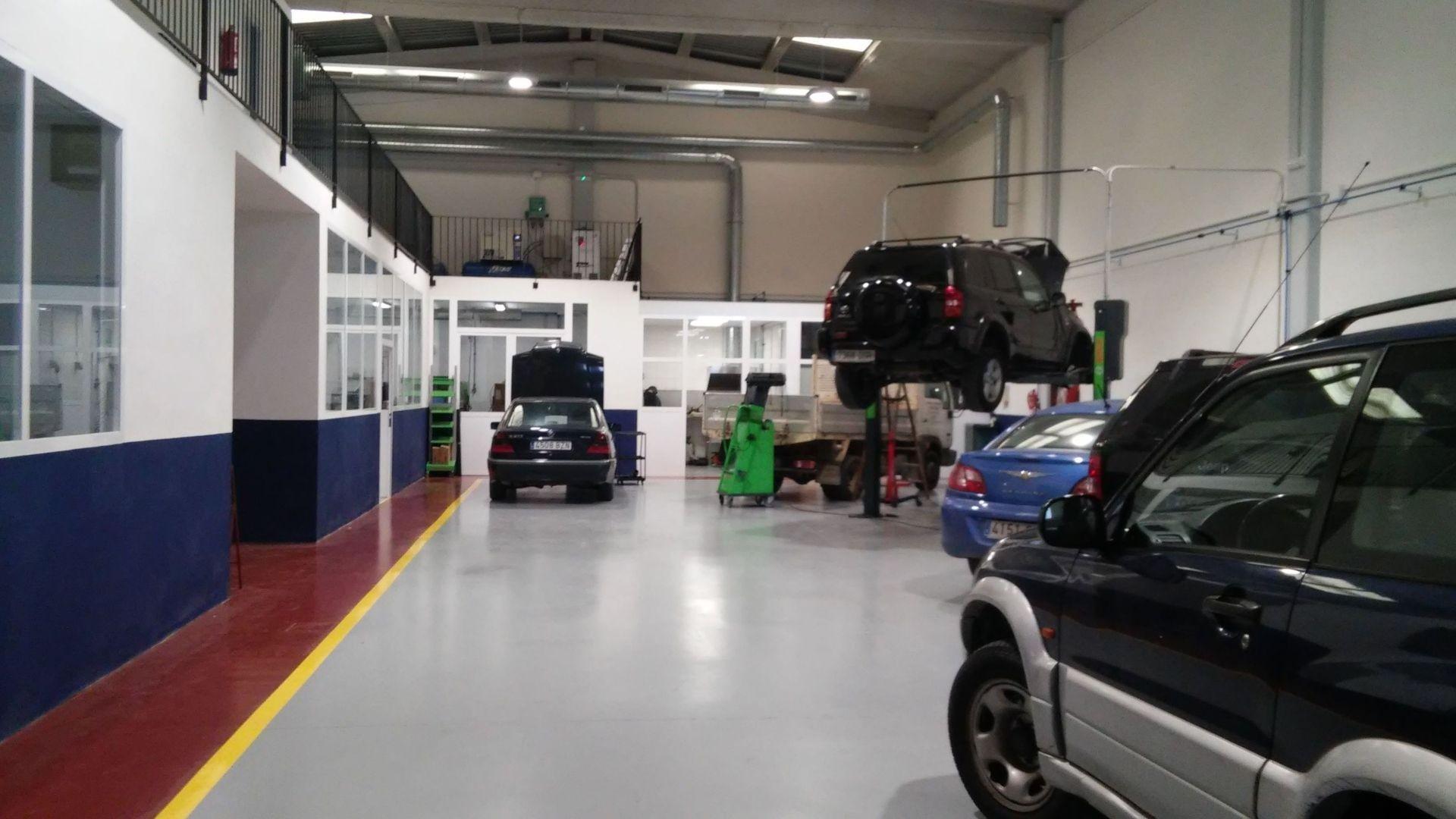 Taller de coches en Picanya