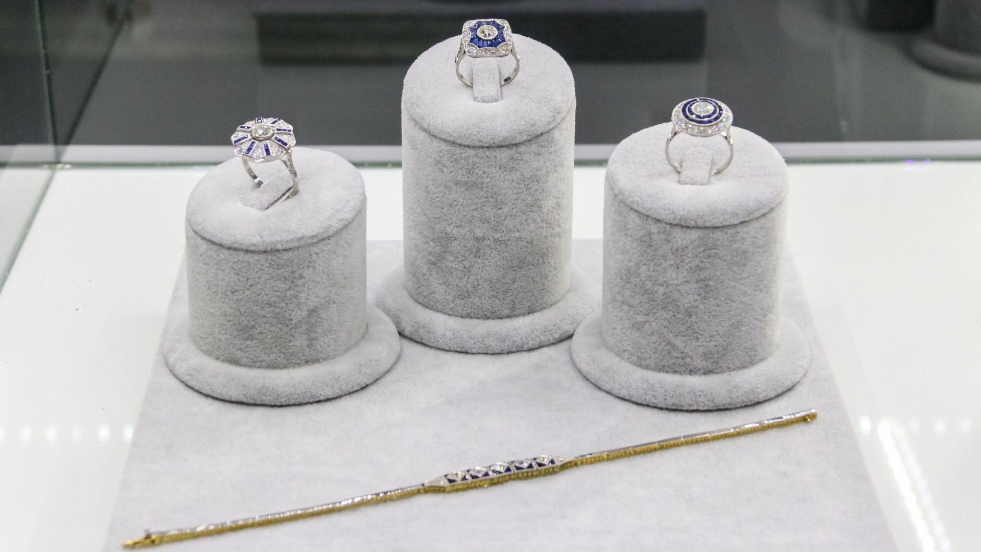 anillos con zafiros artdeco