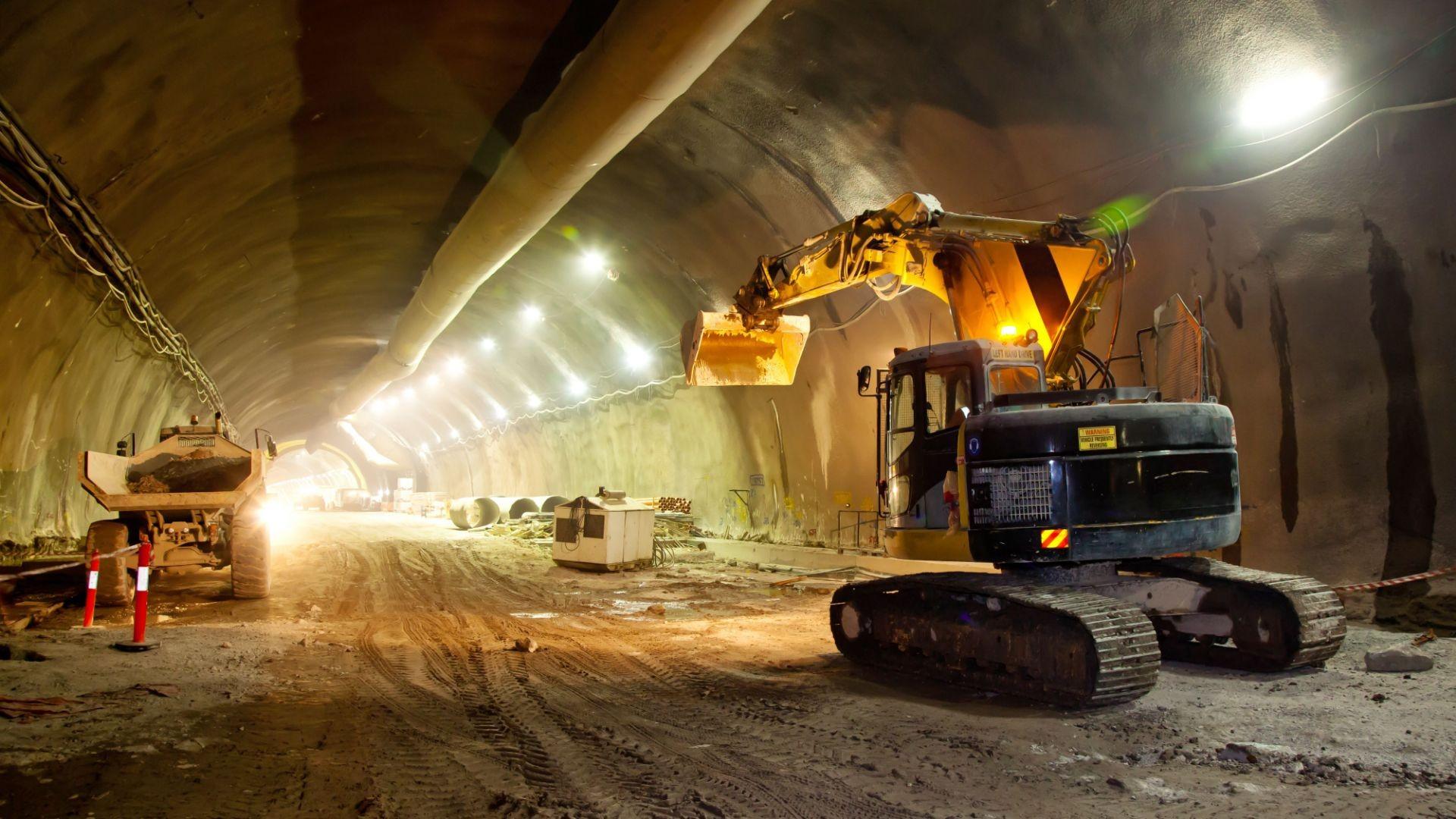 Construcción de obra civil para el sector público y privado