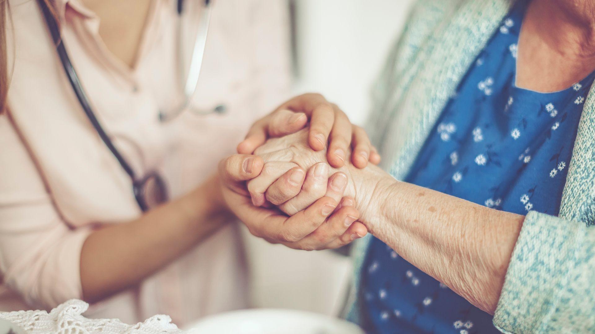 Cuidado de ancianos a domicilio en Madrid