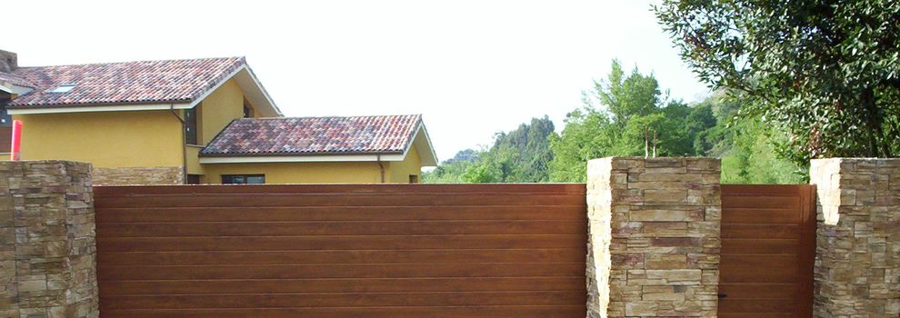 Puertas met licas asturias - Cierres de madera para fincas ...