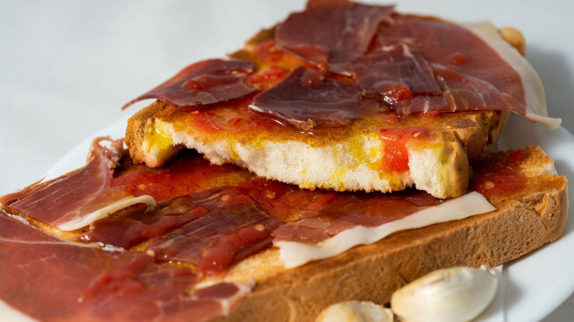 Tu desayuno con Pan Artesano El Vacar.