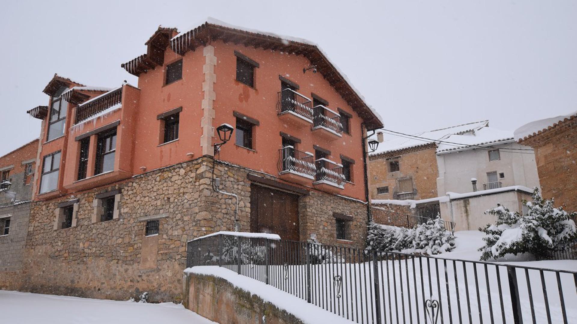 foto fachada con nieve