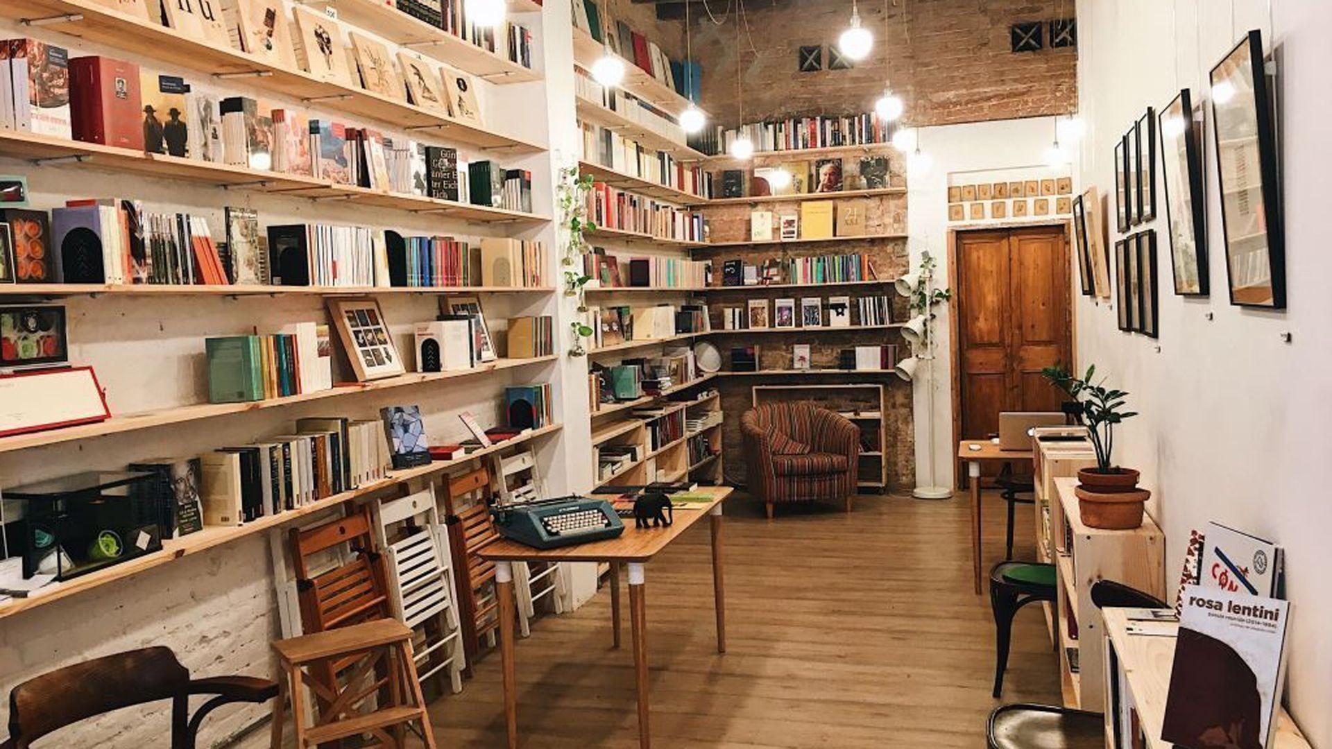 Librería especializada en libros de poesía en Barcelona